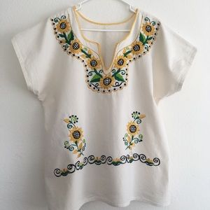 Tops - 🌻 embroidered top